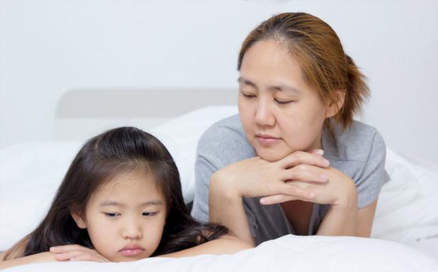 Cha mẹ không cần mất công nghĩ nhiều cách phạt con chỉ cần áp dụng đúng kiểu kỷ luật này trẻ sẽ ngoan ngoãn ngay - Ảnh 1.