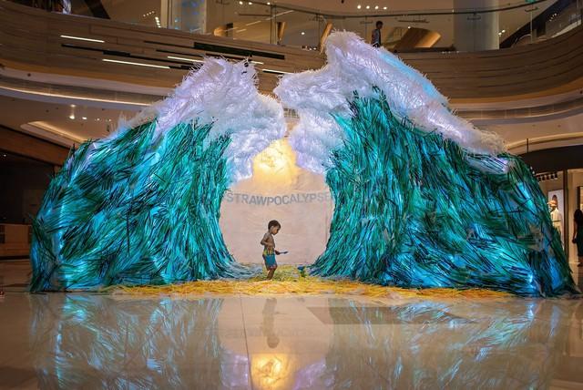 Triển lãm tác phẩm nghệ thuật bảo vệ môi trường làm từ 160.000 ống hút nhựa gom từ khắp các đường phố Việt Nam - Ảnh 2.