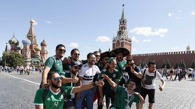 5.500 CĐV nước ngoài chưa rời khỏi Nga sau World Cup 2018 - Ảnh 1.