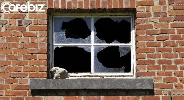 """Lời khuyên dành cho bạn trẻ khao khát thành công: Nằm lòng hiệu ứng """"Cửa sổ vỡ"""" - đừng bỏ mặc cơ hội lần thứ nhất, đừng phá vỡ cánh cửa sổ đầu tiên! - Ảnh 1."""