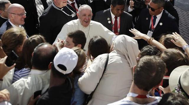 Giáo hoàng Francis kêu gọi người trẻ ngưng sống ảo - Ảnh 2.