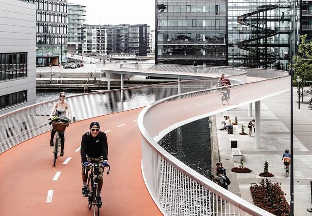Bất kỳ thành phố nào trên thế giới cũng nên học cách Copenhagen thu hút người dân đi xe đạp nhằm giảm ô nhiễm, tắc đường - Ảnh 1.