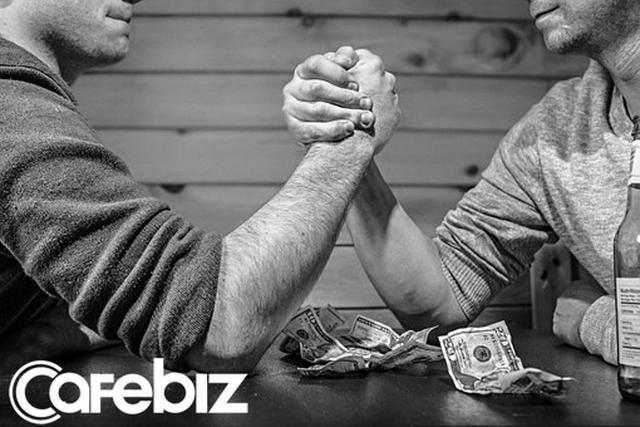 Làm việc ở một công ty 5 năm, sếp quý nhưng không dám xin tăng lương dù một lần: Đây là giải pháp giúp bạn không còn né tránh vấn đề tiền bạc - Ảnh 1.