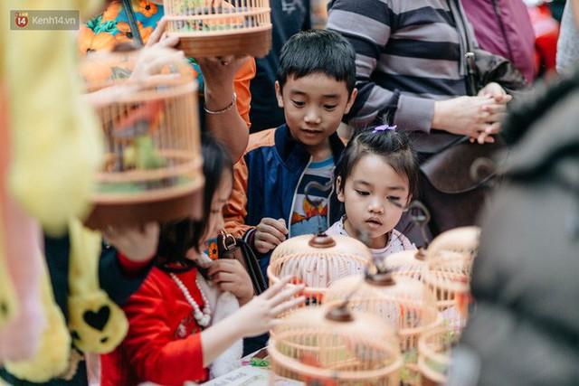 Rộn ràng không khí Tết tại chợ hoa Hàng Lược - phiên chợ truyền thống lâu đời nhất ở Hà Nội - Ảnh 16.