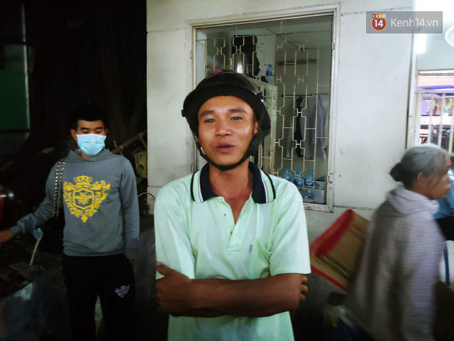 Tình người giữa đau thương: Anh xe ôm ở Long An bỏ hết công việc, bồng bế từng nạn nhân lên xe cấp cứu vào bệnh viện - Ảnh 6.