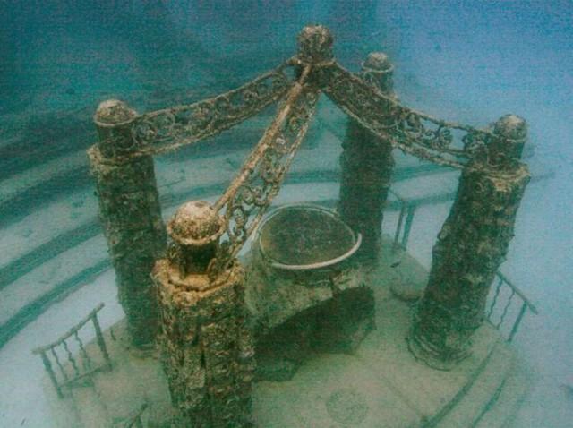 Ảnh: Kinh ngạc trước những bí mật ẩn sâu dưới lòng đại dương - Ảnh 2.
