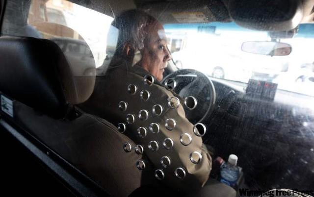 Cách những công ty taxi trên thế giới ngăn chặn tình trạng tài xế bị hành khách tấn công, cướp của - Ảnh 4.