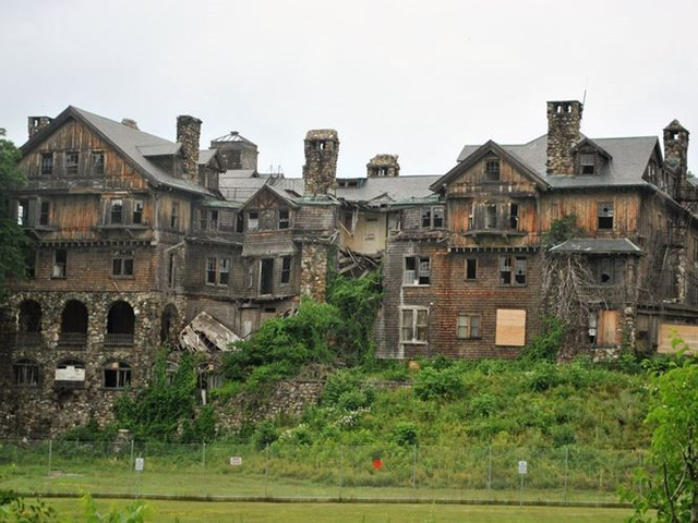 """10 biệt thự bị bỏ hoang từng được coi là """"đỉnh cao xa xỉ"""" - Ảnh 2."""