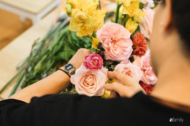 Mẹ 8x Hà Nội hướng dẫn 3 cách dùng hoa truyền thống, giá dưới 500 ngàn để trang trí nhà đón Tết - Ảnh 14.