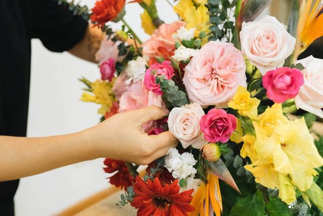 Mẹ 8x Hà Nội hướng dẫn 3 cách dùng hoa truyền thống, giá dưới 500 ngàn để trang trí nhà đón Tết - Ảnh 15.
