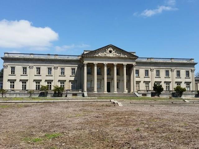 """10 villa bị bỏ hoang từng được coi là """"đỉnh cao xa xỉ"""" - Ảnh 5."""