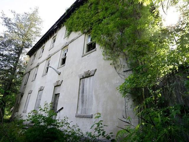 """10 biệt thự bị bỏ hoang từng được coi là """"đỉnh cao xa xỉ"""" - Ảnh 7."""