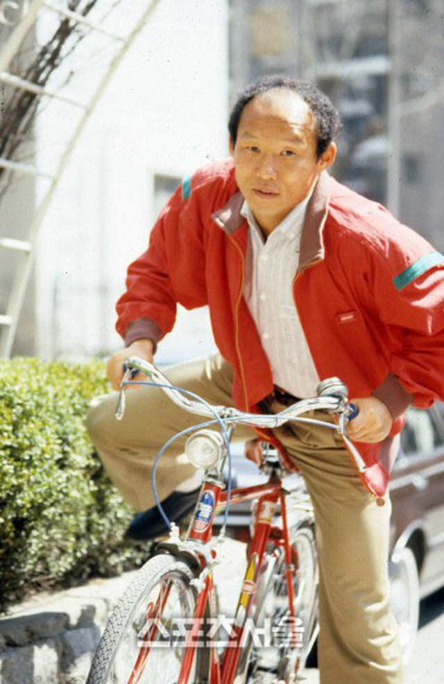 HLV Park Hang-seo bước sang tuổi 60: Từ sinh viên nghiên cứu thảo mộc đến huyền thoại bóng đá Việt Nam - Ảnh 1.