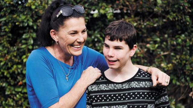(Vân) Câu chuyện đầy nghị lực của một cậu bé khiếm thị làm thay đổi đồng tiền của Australia - Ảnh 1.