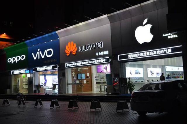 Apple và Samsung: Hai vị vua phải đối mặt với sức ép quá lớn từ sự trỗi dậy mang tên Trung Quốc - Ảnh 1.