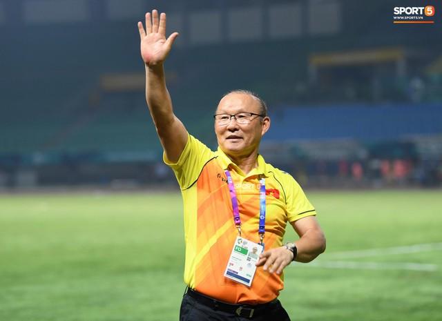 HLV Park Hang-seo bước sang tuổi 60: Từ sinh viên nghiên cứu thảo mộc đến huyền thoại bóng đá Việt Nam - Ảnh 35.