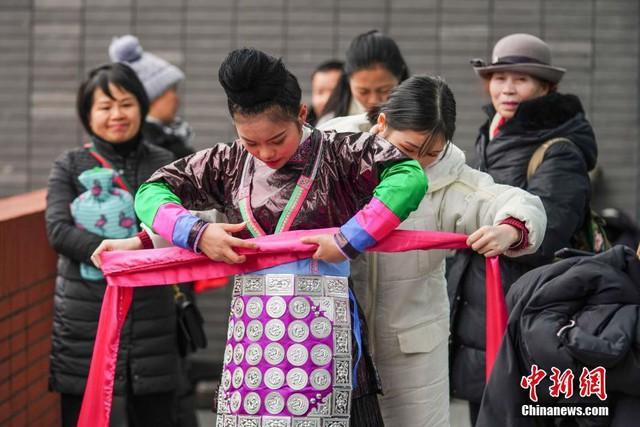 Cả một trời trai xinh gái đẹp xúng xính váy áo cổ trang dự thi vào trường nghệ thuật lớn hàng đầu ở Trung Quốc - Ảnh 3.