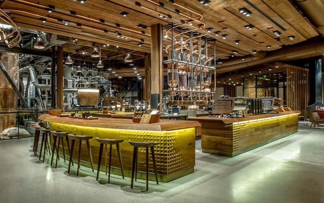 Hành trình kì lạ của Starbucks: Quán cà phê nhỏ xíu thành đế chế 80 tỷ USD cùng mối lo ăn thịt chính mình - Ảnh 2.