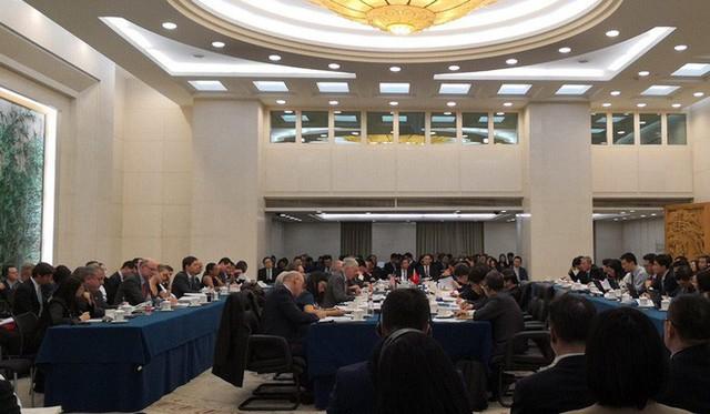 Đàm phán thương mại Mỹ-Trung: Báo Đảng Trung Quốc cảnh báo Mỹ đừng được voi đòi tiên - Ảnh 1.