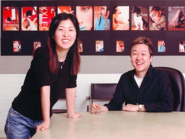"""Forever 21: """"Giấc mơ Mỹ"""" của đôi vợ chồng người Hàn từ bàn tay trắng tạo dựng đế chế thời trang nổi tiếng, trở thành tỷ phú đáng ngưỡng mộ - Ảnh 2."""