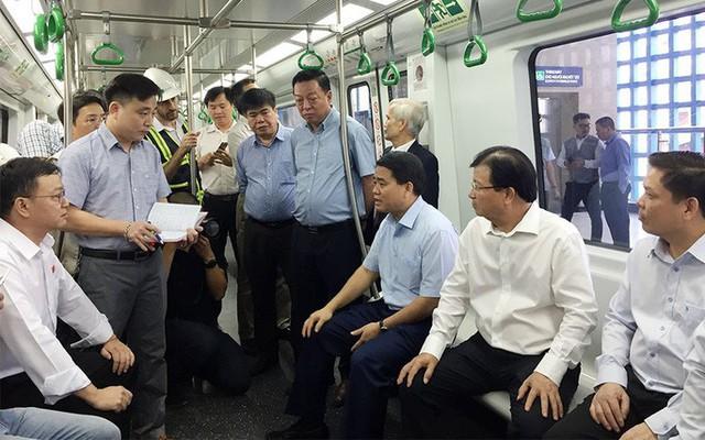 Phó Thủ tướng truy vấn Tổng thầu Trung Quốc trên tàu Cát Linh-Hà Đông: Các ông hứa bao giờ làm xong? - Ảnh 1.