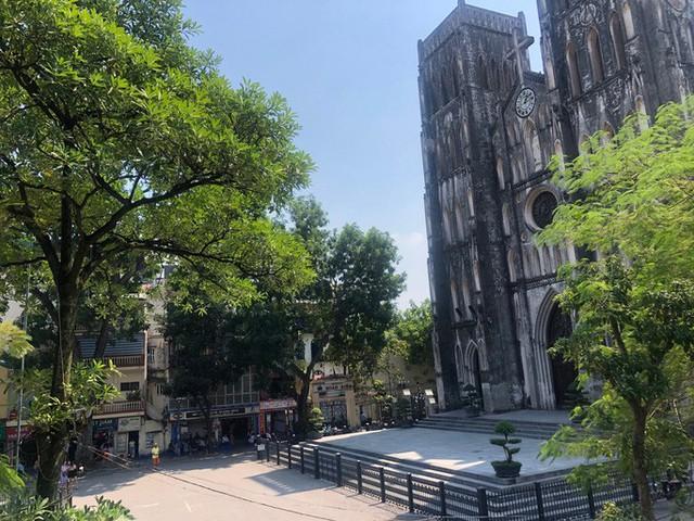 30 điểm du lịch nổi tiếng ở Hà Nội sắp bị cấm hút thuốc lá, phạt tại chỗ  - Ảnh 1.