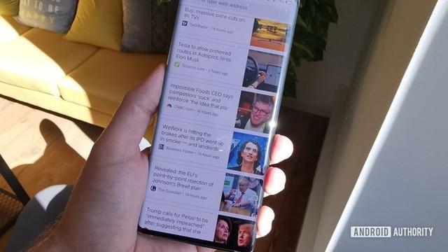 Vì sao màn hình thác nước lại là xu hướng thiết kế smartphone không ai nên học theo? - Ảnh 4.