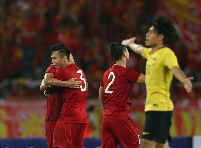 Về nhà, HLV Tan Cheng Hoe 'xổ' bức xúc sau trận thua ở Mỹ Đình - Ảnh 1.