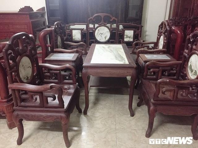 Thảm cảnh đồ gỗ Đồng Kỵ nổi tiếng dù giảm giá sốc vẫn nằm đắp chiếu - Ảnh 11.