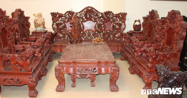 Thảm cảnh đồ gỗ Đồng Kỵ nổi tiếng dù giảm giá sốc vẫn nằm đắp chiếu - Ảnh 13.