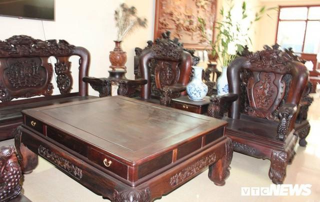 Thảm cảnh đồ gỗ Đồng Kỵ nổi tiếng dù giảm giá sốc vẫn nằm đắp chiếu - Ảnh 2.