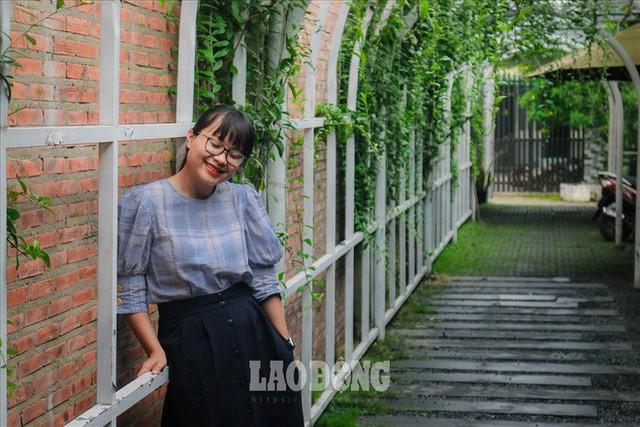 Giới trẻ Sài Gòn khám phá uống cà phê trong... cống - Ảnh 8.