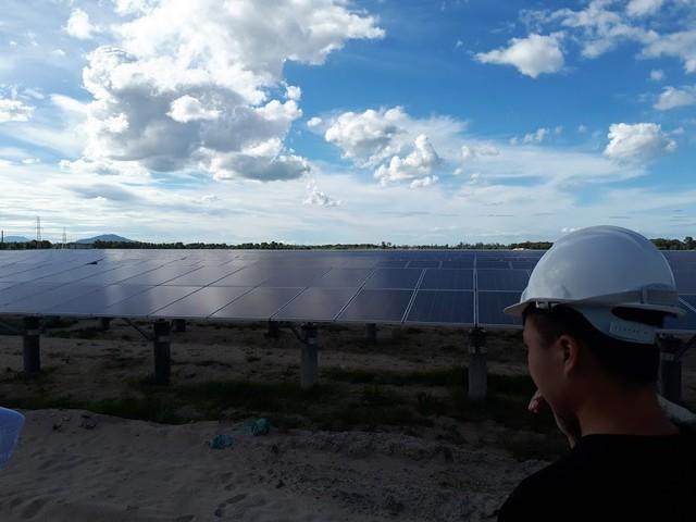 Điện mặt trời: Bất ngờ thay đổi, tưởng ngon ăn ngờ đâu nguy cơ phá sản - Ảnh 1.