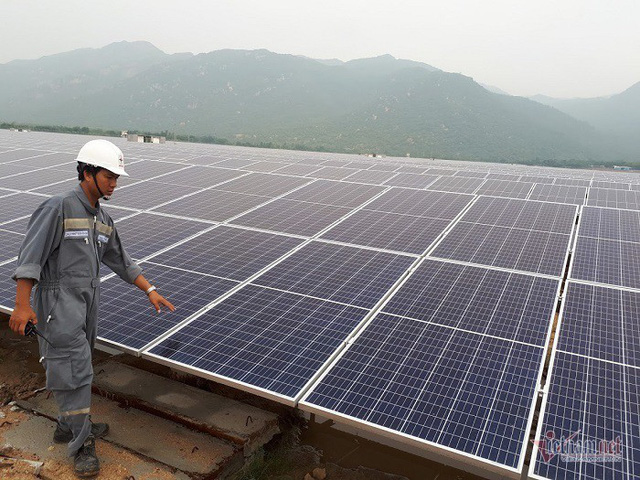 Điện mặt trời: Bất ngờ thay đổi, tưởng ngon ăn ngờ đâu nguy cơ phá sản - Ảnh 2.
