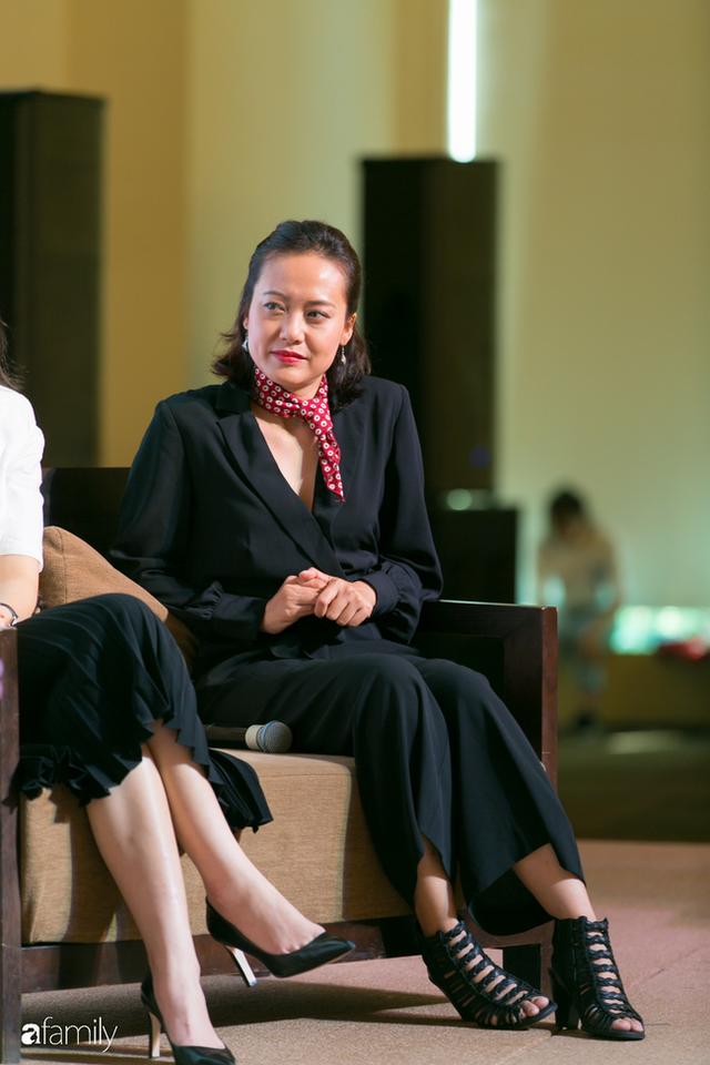 Tôn Nữ Thị Ninh - Cựu Đại sứ Việt Nam tại châu Âu: Đừng nói phụ nữ không thể bắt đầu ở tuổi 40, nếu hẹn nhau ở tuổi 50 tôi còn chưa ngán... - Ảnh 5.