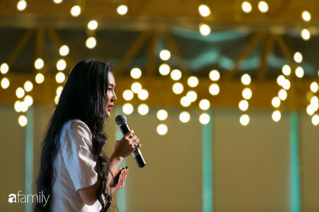 Tôn Nữ Thị Ninh - Cựu Đại sứ Việt Nam tại châu Âu: Đừng nói phụ nữ không thể bắt đầu ở tuổi 40, nếu hẹn nhau ở tuổi 50 tôi còn chưa ngán... - Ảnh 8.