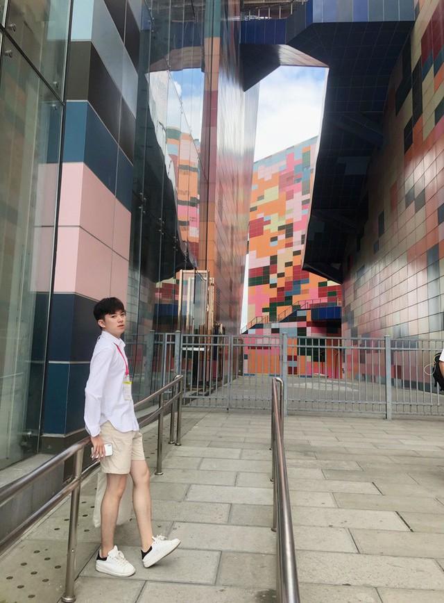 Thầy giáo tiếng Trung siêu cấp điển trai như oppa Hàn Quốc khiến hội chị em phát cuồng: Thông thạo 3 ngôn ngữ, start-up từ khi mới năm hai - Ảnh 4.