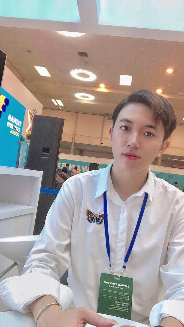 Thầy giáo tiếng Trung siêu cấp điển trai như oppa Hàn Quốc khiến hội chị em phát cuồng: Thông thạo 3 ngôn ngữ, start-up từ khi mới năm hai - Ảnh 9.