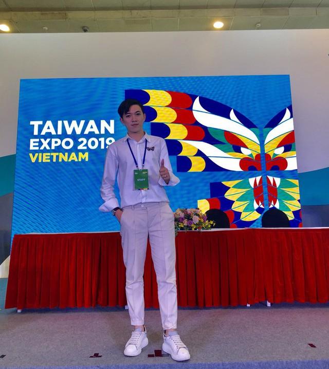 Thầy giáo tiếng Trung siêu cấp điển trai như oppa Hàn Quốc khiến hội chị em phát cuồng: Thông thạo 3 ngôn ngữ, start-up từ khi mới năm hai - Ảnh 10.