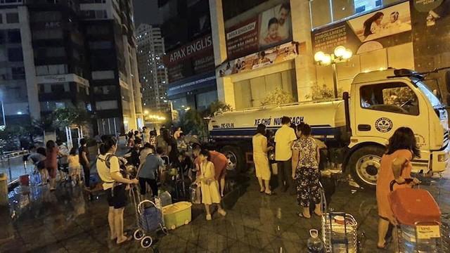 Khoanh vùng khu vực Hà Nội khuyến cáo không dùng nước sạch sông Đà ăn uống - Ảnh 2.