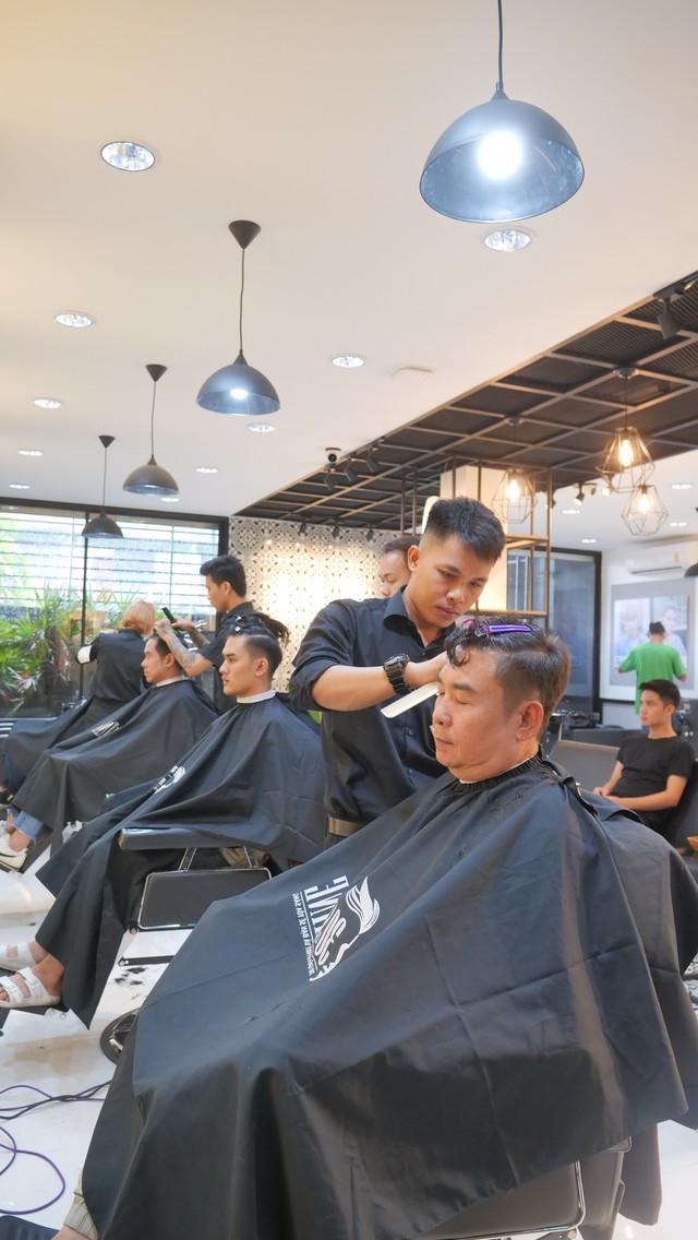 Chuỗi tóc nam 30Shine vừa mở chi nhánh đầu tiên ở Thái, khách đông nườm nượp chẳng kém gì Việt Nam - Ảnh 2.