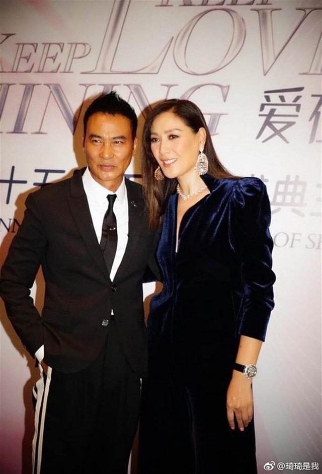 Ông trùm khét tiếng Hong Kong trả lời độc quyền, nói về thời buộc phải đóng phim cấp ba và cuộc sống ít biết - Ảnh 8.