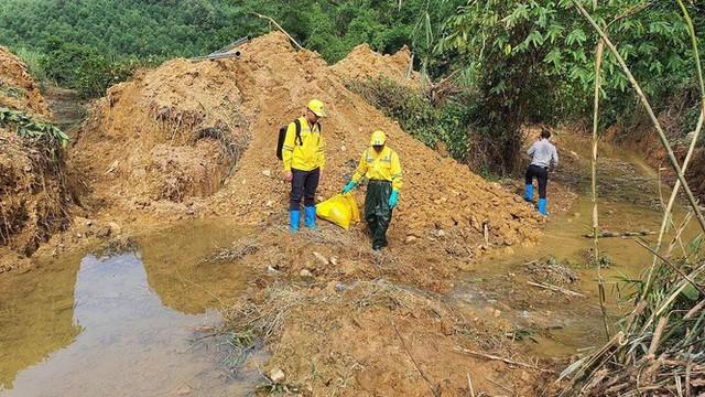 Chuyên gia xuyên đêm xử lý ô nhiễm đầu nguồn nước sông Đà - Ảnh 2.