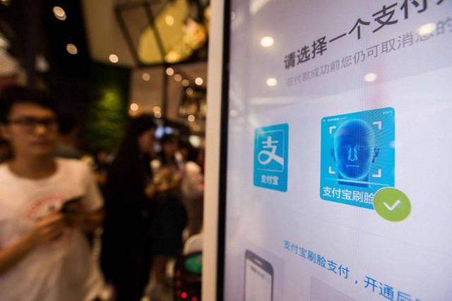 Trung Quốc: Đi tè quá 15 phút sẽ bị trí tuệ nhân tạo gọi người tới bắt - Ảnh 4.