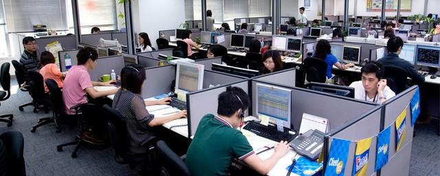 Ngành call center ở Philippines: Lương cao hơn bác sĩ, gấp đôi nhân viên ngân hàng, nhưng sinh hoạt theo giờ Mỹ, nhiễm trùng tai và khủng hoảng tinh thần thường xuyên - Ảnh 2.