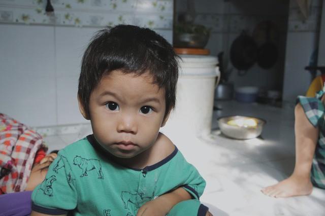 Nụ cười của người mẹ một mình nuôi 7 đứa con ở Sài Gòn: Tiền có thể ít nhưng tình cảm dành cho con thì chưa bao giờ là ít cả - Ảnh 15.