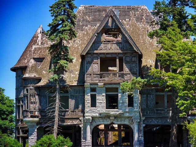 5 biệt thự bỏ hoang có giá triệu USD - Ảnh 1.