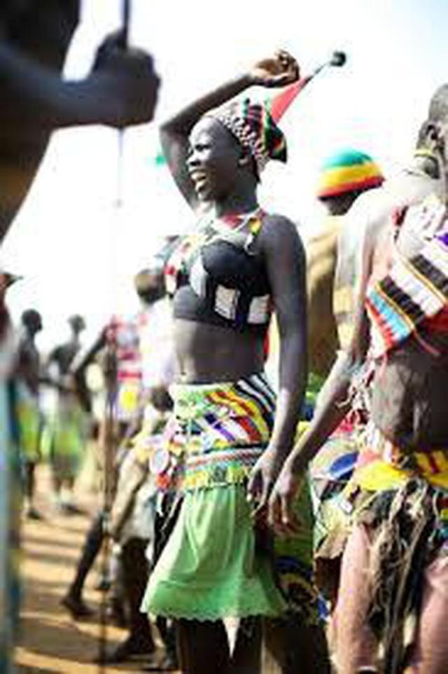 Sự thực về bộ lạc có tục hỏi vợ được xem là tàn nhẫn nhất thế giới: Thích ai thì bắt về trước, hỏi cưới sau, mặc cho nạn nhân than khóc đau khổ - Ảnh 8.