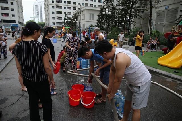 Toàn cảnh vụ đổ trộm dầu thải khiến người dân lao đao khát nước sạch - Ảnh 8.