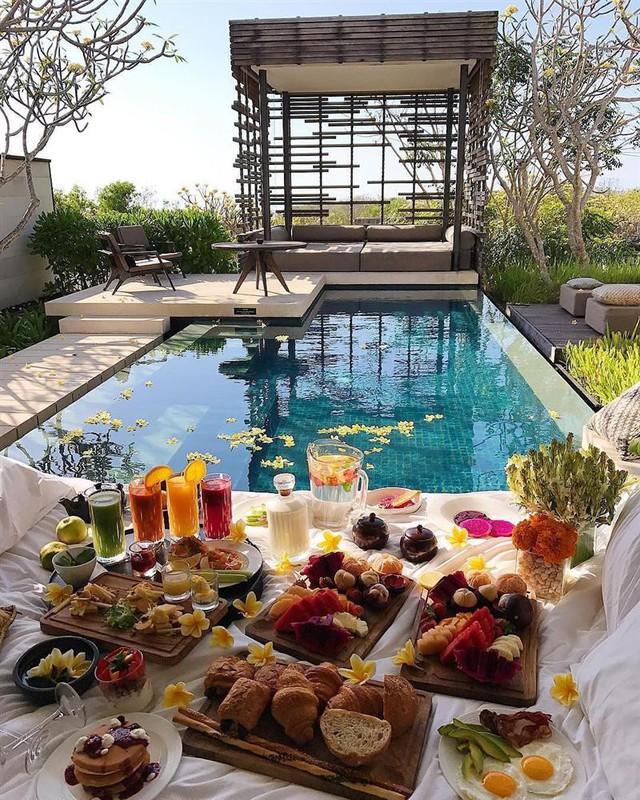 Lý do khách sạn thường phục vụ bữa sáng miễn phí - Ảnh 2.